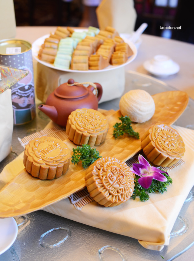 A mix of baked mooncakes and snow skin mooncakes