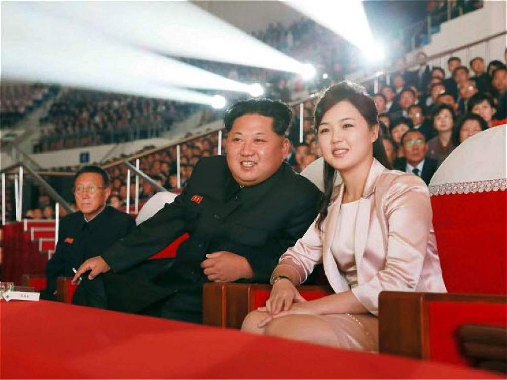 The first photos that are known of Kim Jong Un's wife