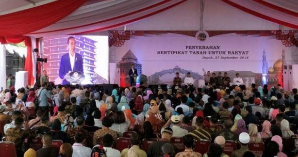 Bagikan 30 Ribu Sertifikat, Jokowi Ajari Hadapi Sengketa Tanah