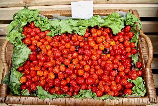 pitanga fruit,  Funchal, Madeira,  pic: Kerstin Rodgers/msmarmitelover