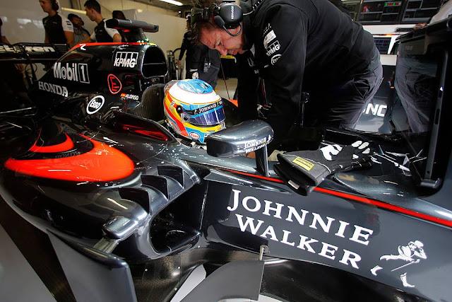 Johnnie Walker da marcha atrás y vuelve a McLaren