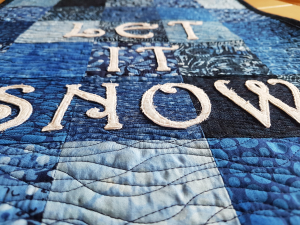 Let it Snow table runner/wall hanging | DevotedQuilter.com
