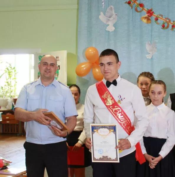 В Пермском крае наградили подростка, который спас двух тонувших девочек