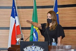 Sheila Lemos toma posse como prefeita de Vitória da Conquista após morte de Herzem Gusmão
