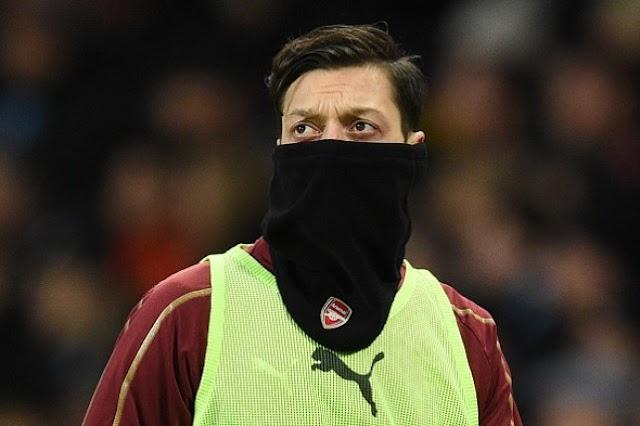 Mesut Ozil Backs Fan's Questioning of Unai Emery