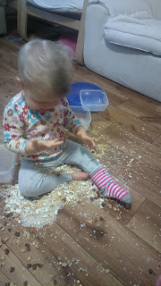 rozwój dziecka - zabawy sensoryczne dla niemowlaka