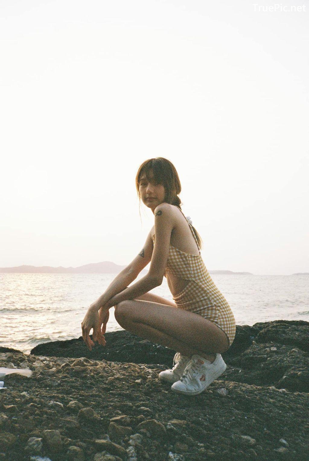 Image-Thailand-Model-Thanya-Siwasiriyangkoon-Yellow-Plaid-Monokini-TruePic.net- Picture-2