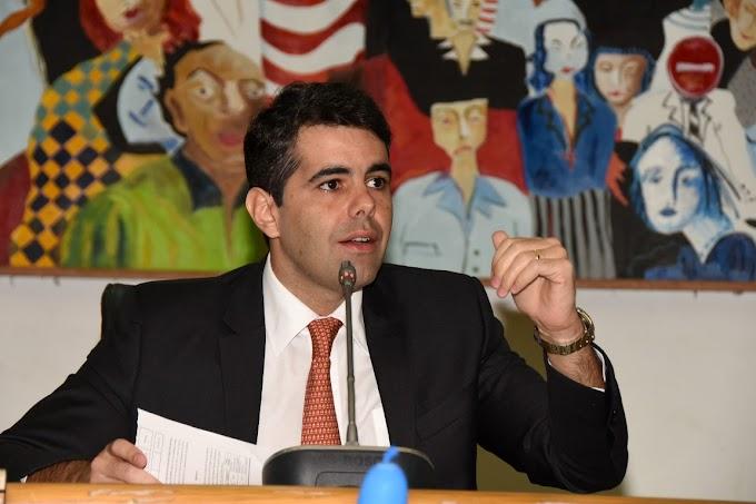 Adriano Sarney defende que governador vete projeto sobre transporte alternativo