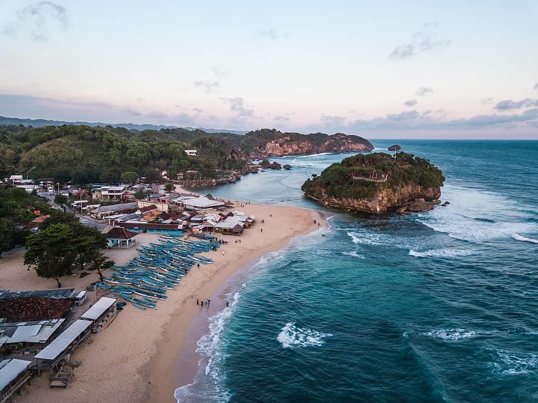 Harga Tiket Masuk Lokasi Dan Fasilitas Pantai Drini Jogja Wisata Oke