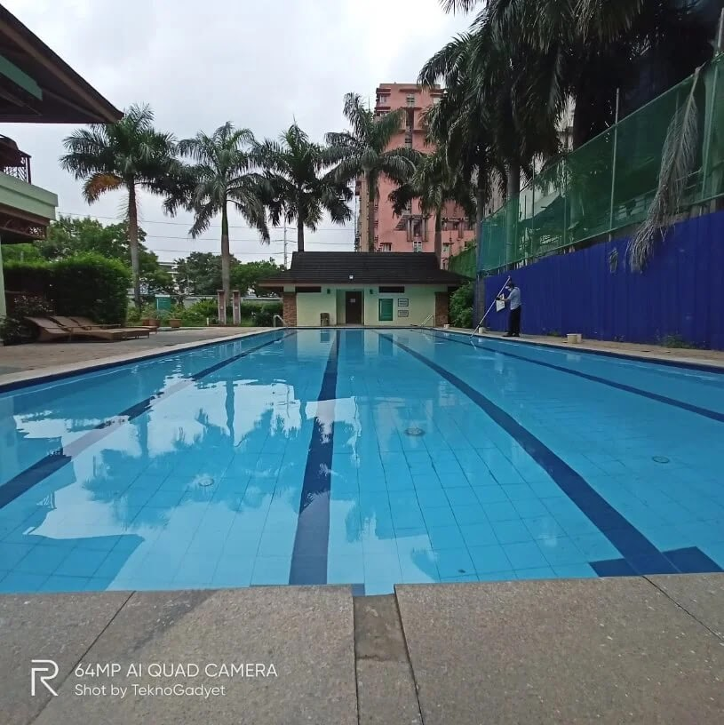 Realme Camera Sample - Pool, Ultrawide