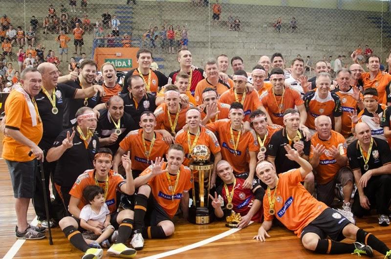8914699949 A Associação Carlos Barbosa de Futsal (ACBF) sagrou-se Deca Campeã Gaúcha –  Série Ouro