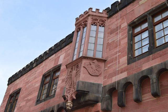 Frankfut Building Details