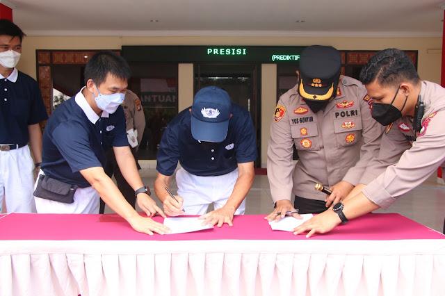 Yayasan Buddha Tzu Chi Indonesia Batam Serahkan Bantuan Beras 50 Ton kepada Kapolresta Barelang