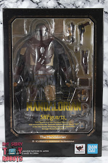 S.H. Figuarts The Mandalorian Box 01