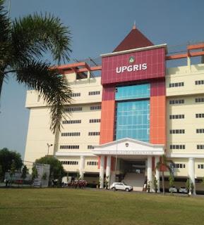 Halaman kampus Universitas PGRI Semarang