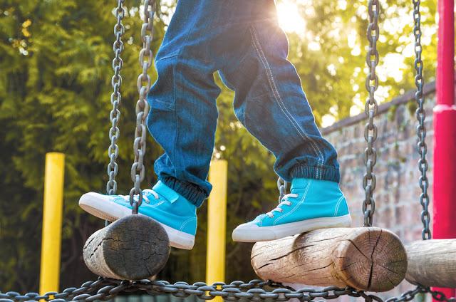 sneakers, ontwikkeling voeten, kinderschoenen, junior steps