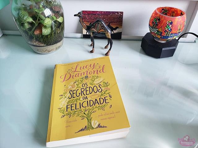 """Livro """"Os Segredos da Felicidade"""""""