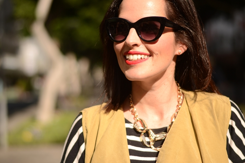 sunglasses-parfois-necklace-outfit-vest-stripes