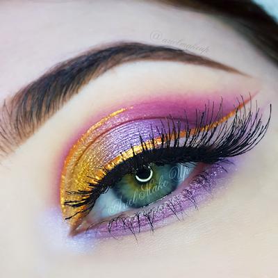 Maquillaje morado y amarillo