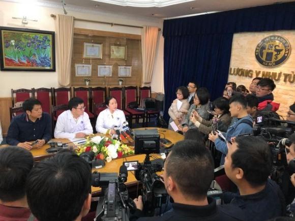 Lãnh đạo bệnh viện Xanh Pôn chưa biết mục đích của thử nghiệm cắt đôi que test HIV