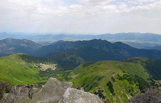 Widok na północny-zachód z Ďumbiera.