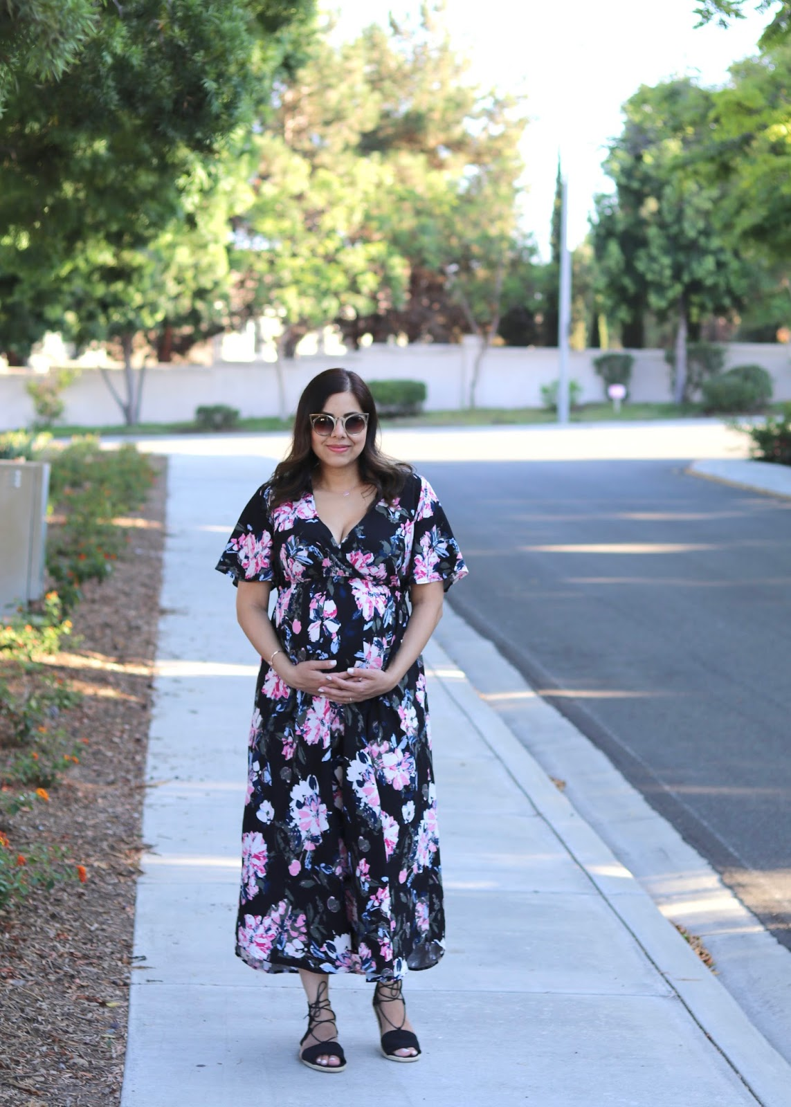 affordable summer fashion, dressing up the bump, summer pregnancy style, quay invader sunglasses