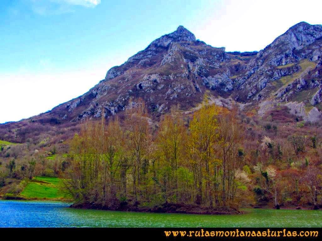 Ruta al Pico Gorrión: Vista desde el Embalse de Valdemurio