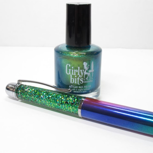 Girly Bits Glitter globe pen