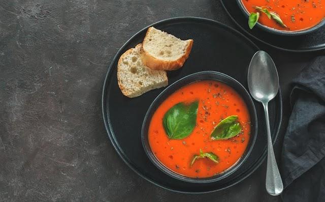 Κρύα, ισπανική σούπα γκασπάτσο