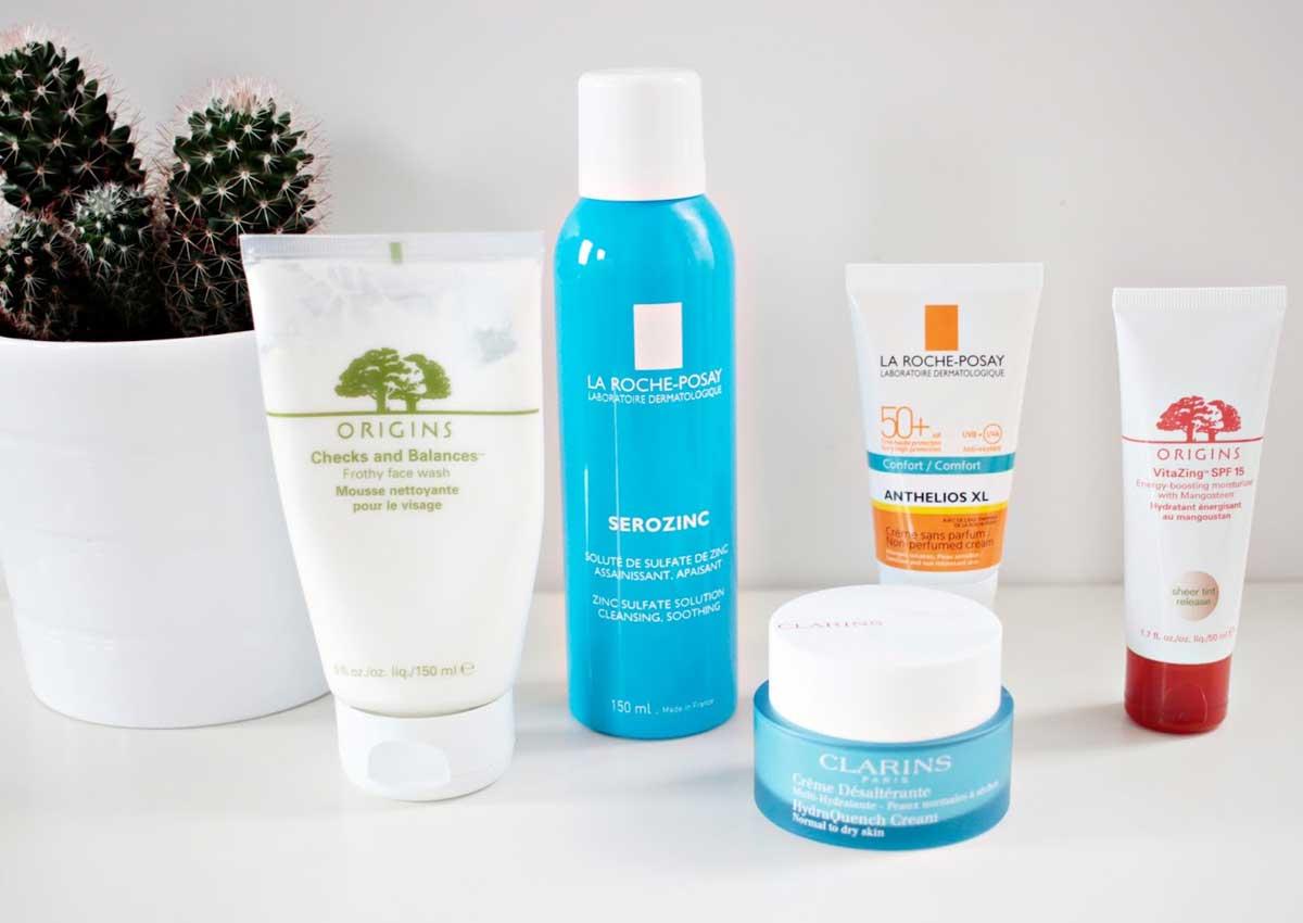 Sử dụng các sản phẩm sữa rửa mặt nhẹ để không ảnh hưởng đến cân bằng sinh lí của da.