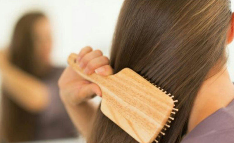 4 Natural Ways to Boost Hair Regrowth