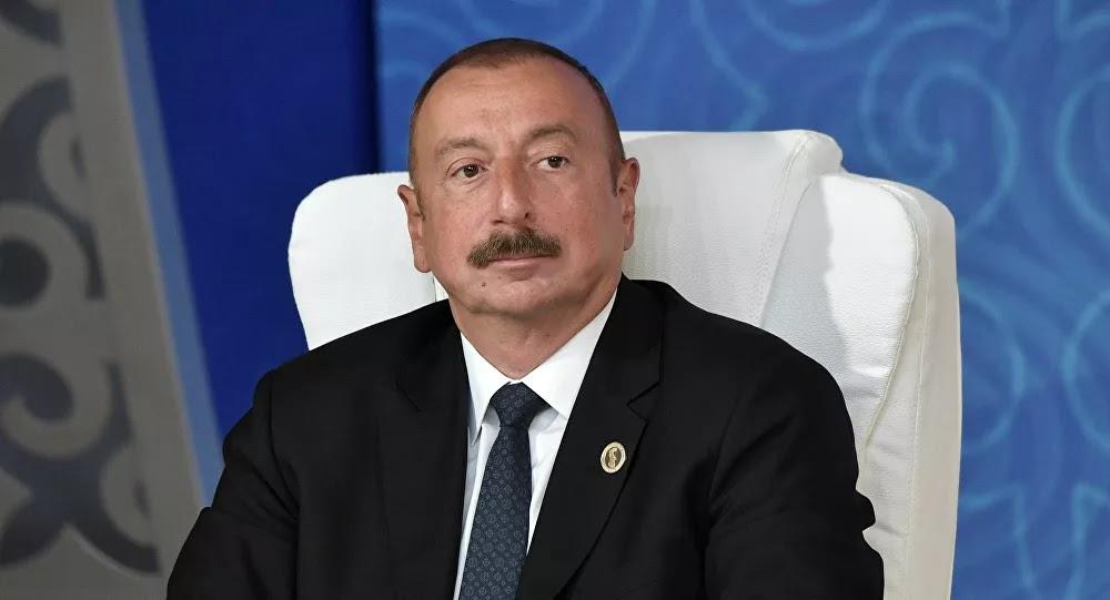 Le Président azerbaïdjanais exige que Macron s'excuse pour ses propos sur les mercenaires au Karabakh