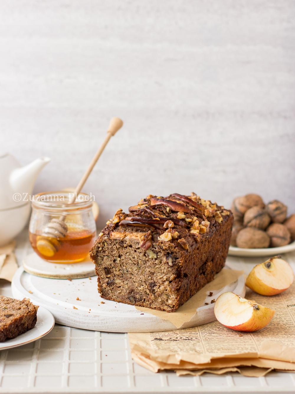 Chlebek cukiniowo-jabłkowy z oliwą