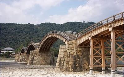 สะพานคินไตเคียว (Kintaikyo Bridge)