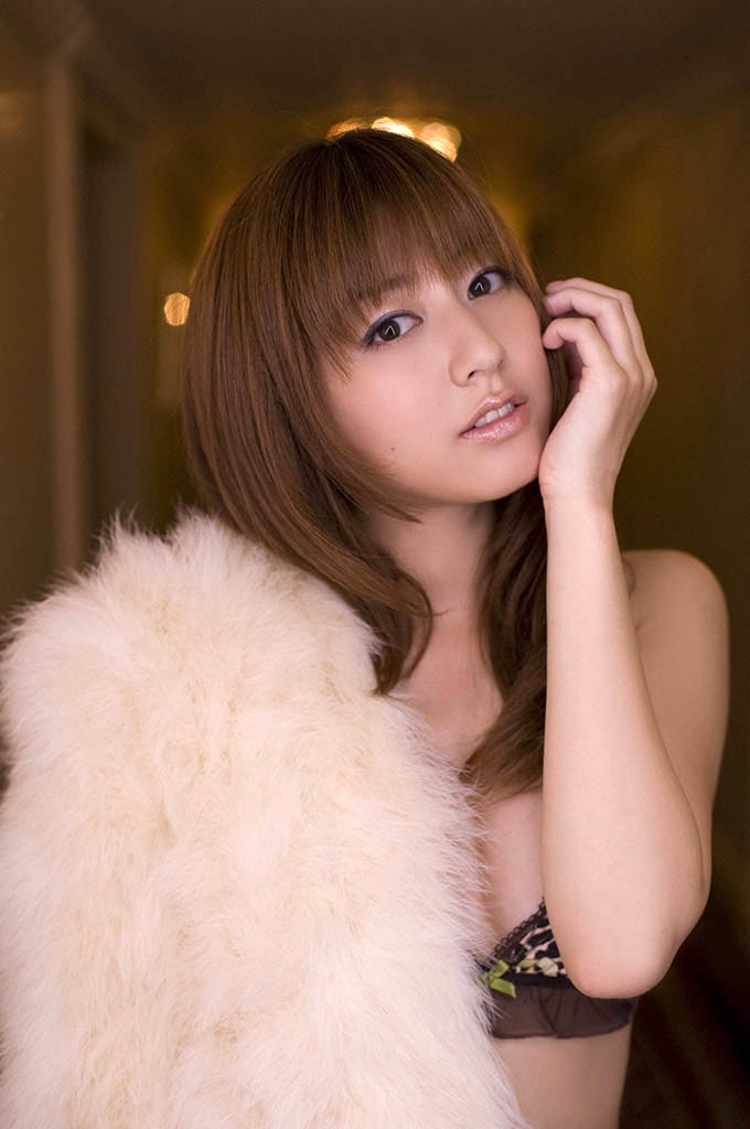 yumi sugimoto sexy bikini pics 05