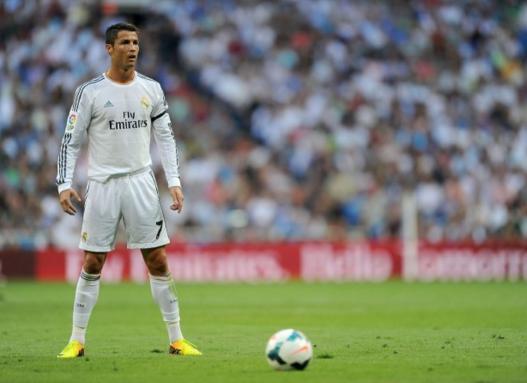 Tendangan bebas Ronaldo Mengenai gawang Atletico Madrid