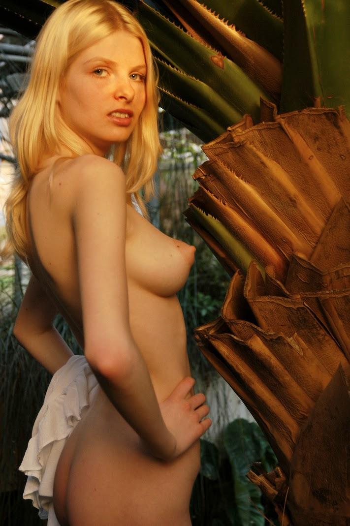 Met-Art 20051022 - Jenya D - Tonique - by Voronin