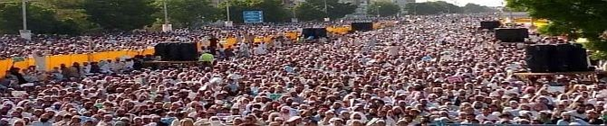 'War-Like Situation In Pakistan', Massive Protest Continues Over Arrest of Islamist Party Leader
