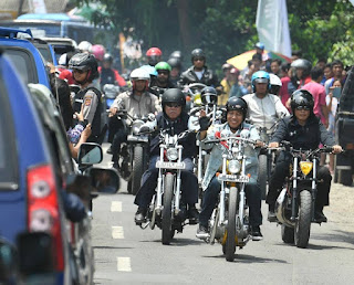 JOKOWI Sumringah Touring Pakai Chopper Ke Sukabumi