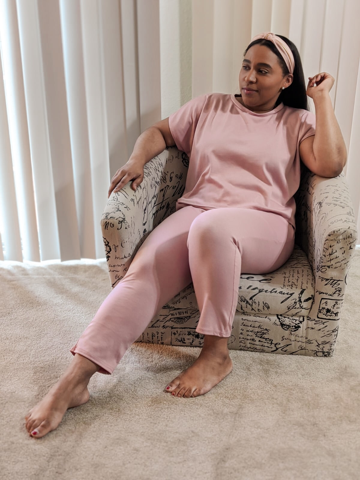 femme luxe, pattys kloset, work from home outfits, wfh outfit ideas, two piece jogger set