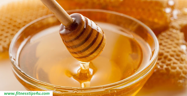 10 Ways Honey Can Up Your Beauty Game