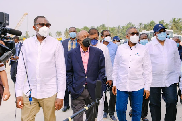 'Dangote Wonderland' - Otedola Visits Dangote's Oil Refinery, Petrochemical Plant In Lagos
