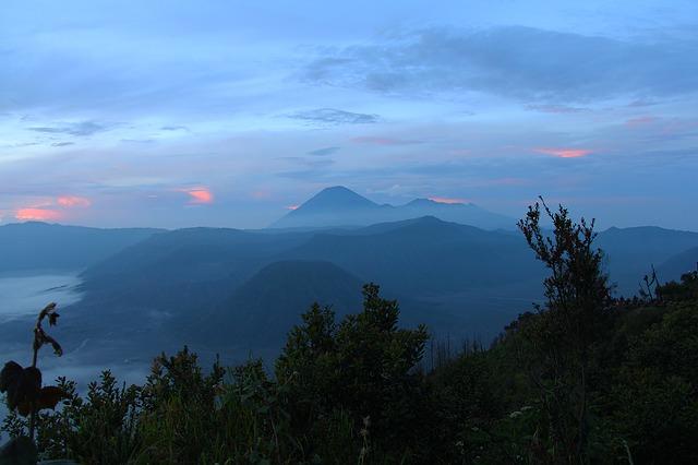 Kata Kata Bijak Tentang Gunung Yang Menginspirasi Mainkata Id