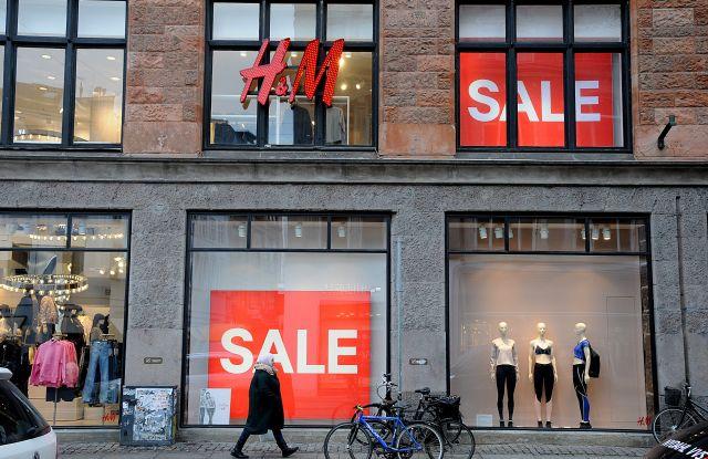 "*H&M, Coach Top List of Most Searched 'Recycling' Fashion Brands* H&M ، مدرب قائمة العلامات التجارية الأكثر بحثًا عن ""إعادة التدوير"""