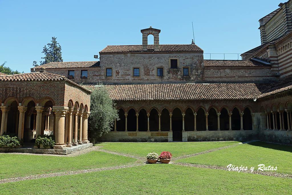 Claustro de la Basílica de San Zeno de Verona