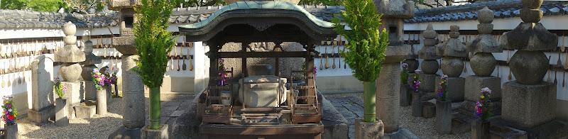 本田忠朝の墓の周りの様子
