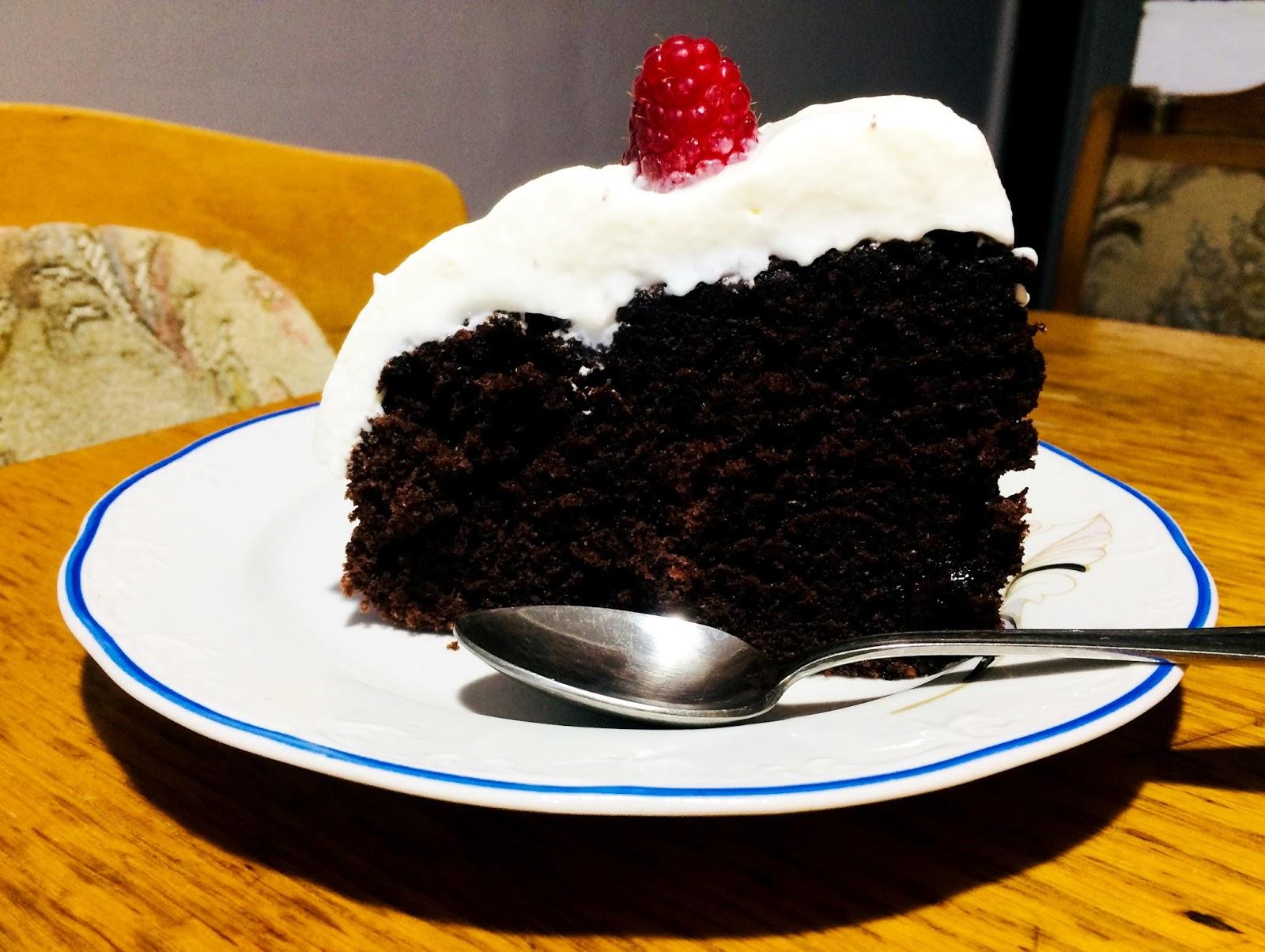 Prăjitură cu ciocolată și frișcă
