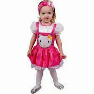 Gambar anak perempuan pakai baju hello kitty cute banget