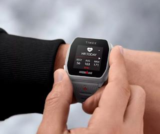 تقوم Timex بإطلاق ساعة ذكية GPS مع عمر بطارية يصل إلى 25 يومًا