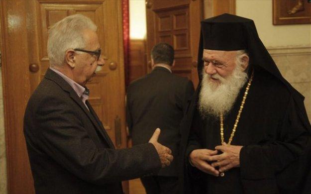 Ο Γαβρόγλου «αδειάζει» τον Ιερώνυμο για τη μισθοδοσία των κληρικών